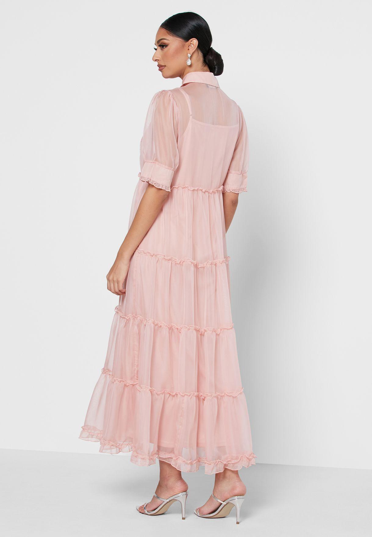 فستان بطبقات متعددة