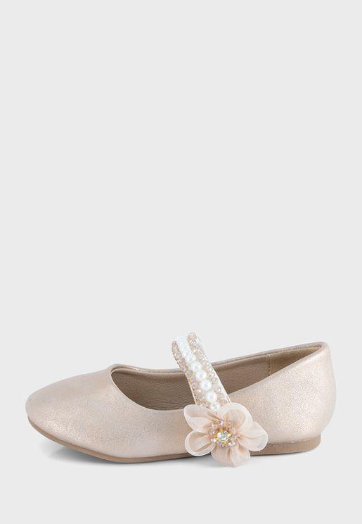 باليرينا مزينة بزهرة