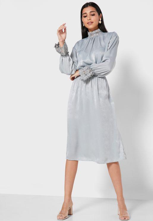 فستان ميدي ستان بياقة عالية