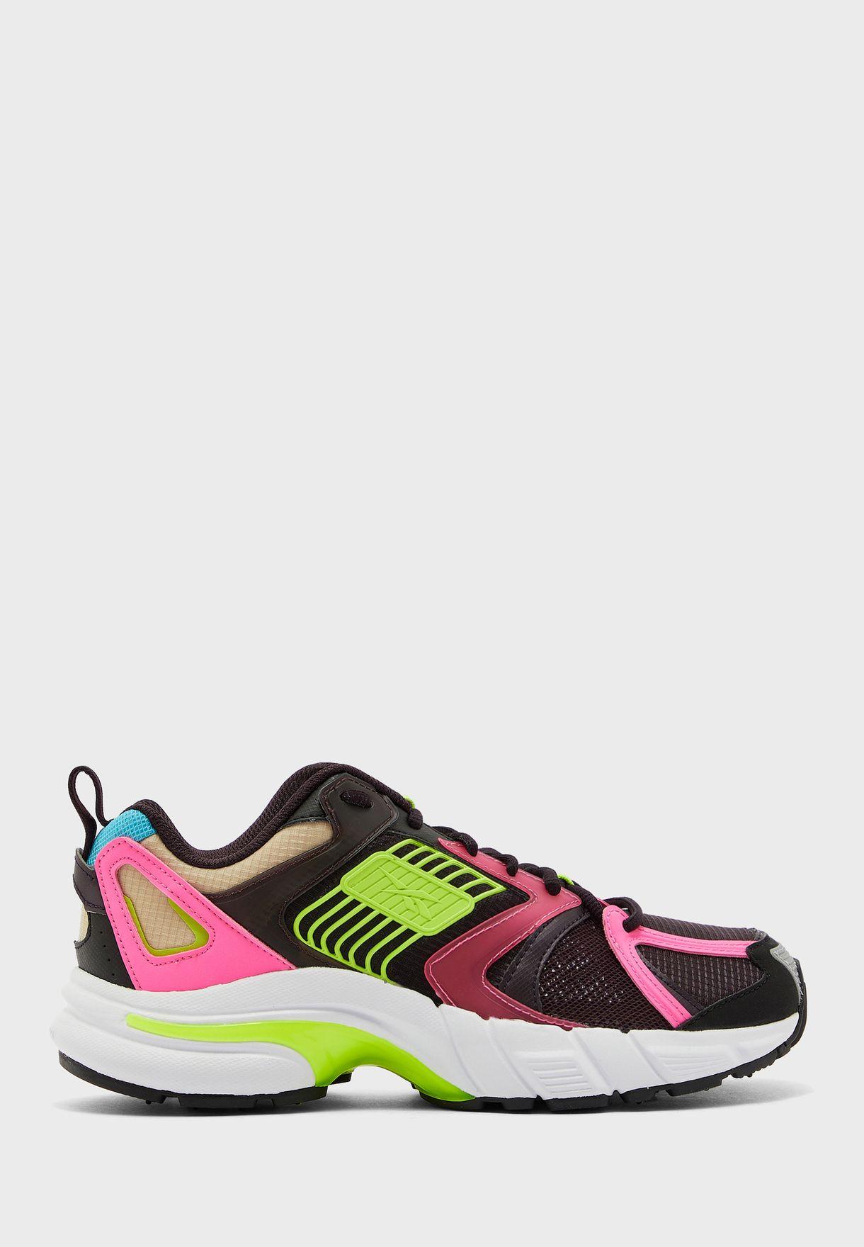 حذاء بريمير