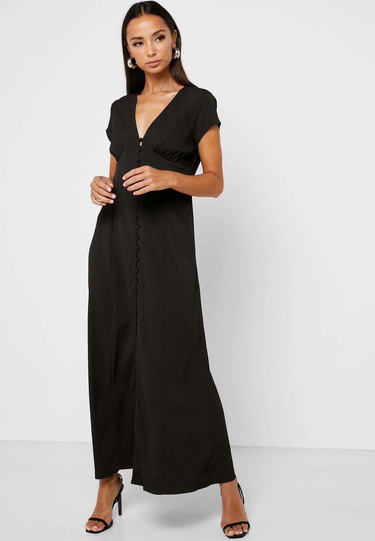 فستان بأزرار امامية