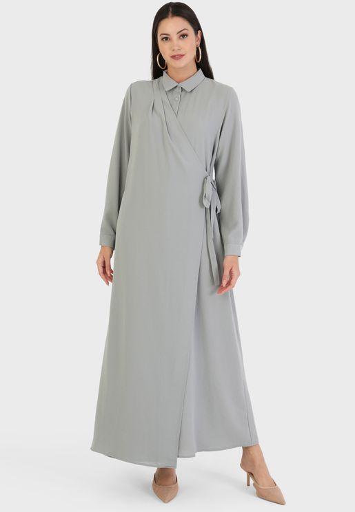 فستان مطبع بنمط لف واربطة