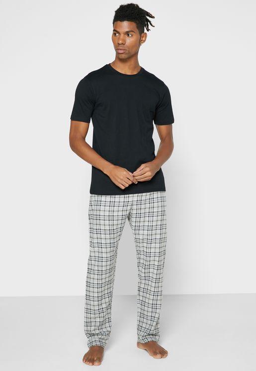 T-Shirt & Checked Bottoms Pyjama Set