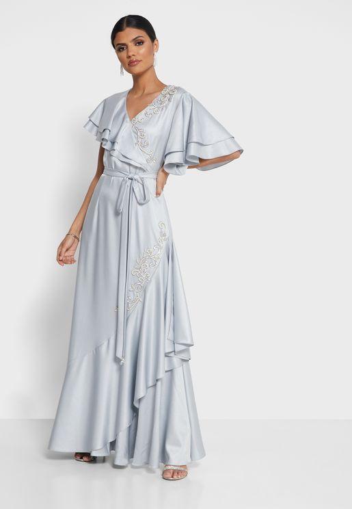 فستان مزين بكشكش ودبابيس لامعة