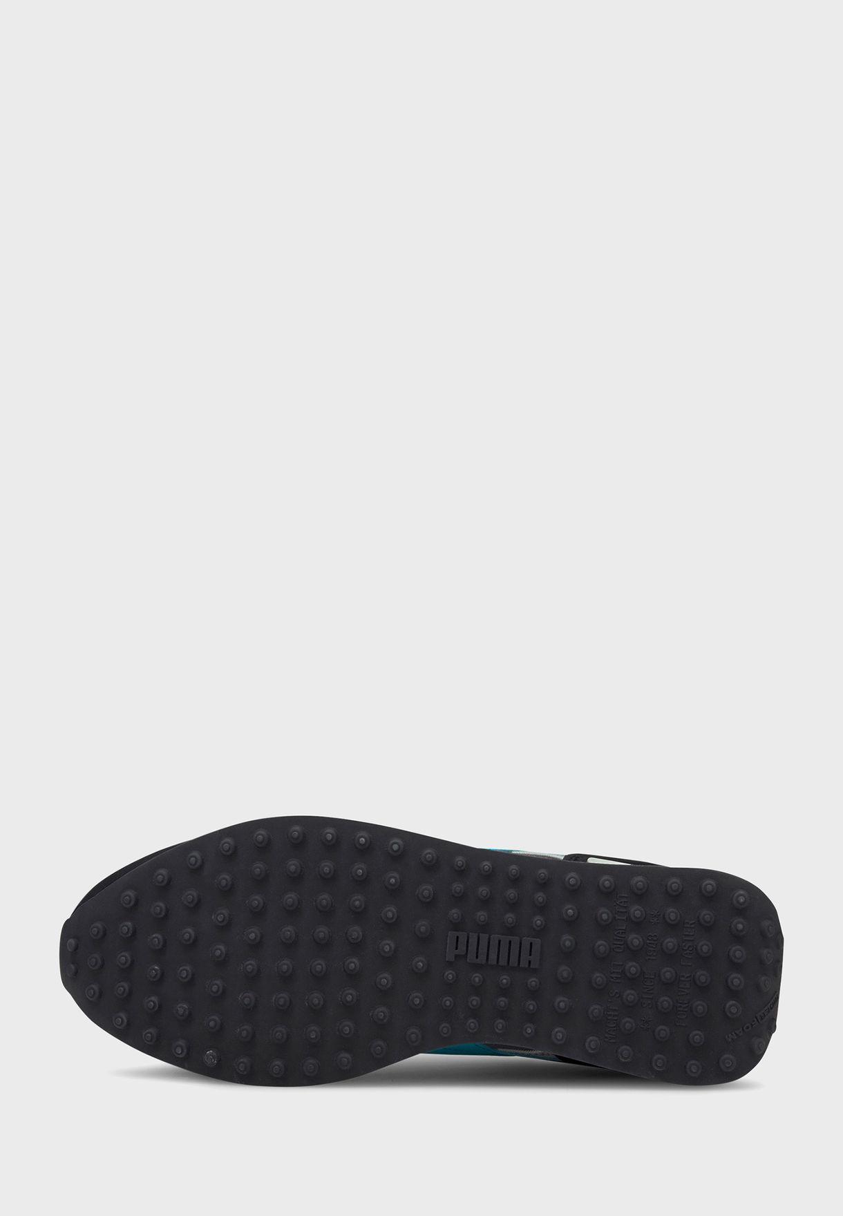 حذاء فيوتشر رايدر ايكونس