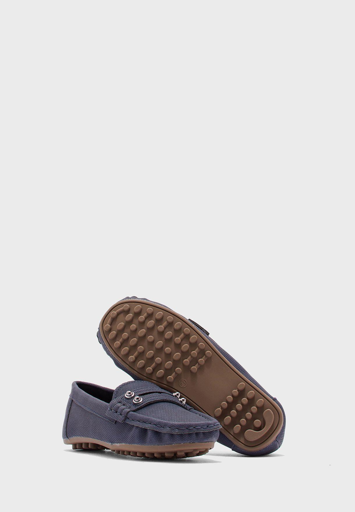 حذاء لوفرز محبوك