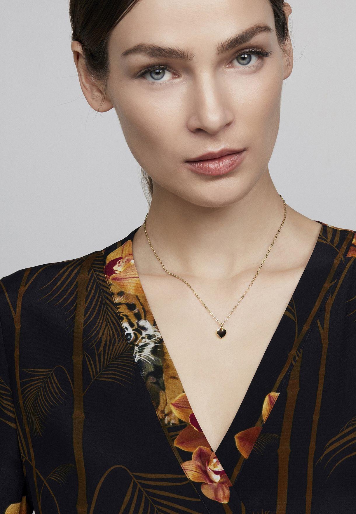 Hara Tiny Heart Pendant Necklace