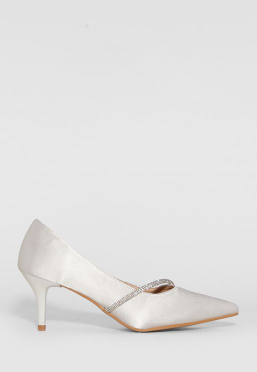 Pointed Pump With Embellished Trim