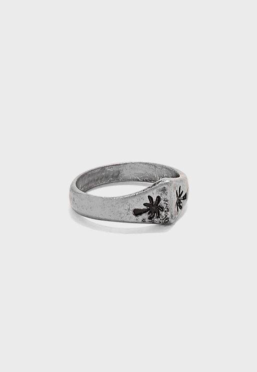 Arrow Head Shaped Ring