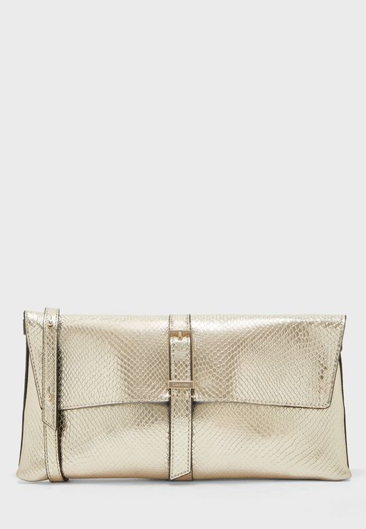 Winged Clutch