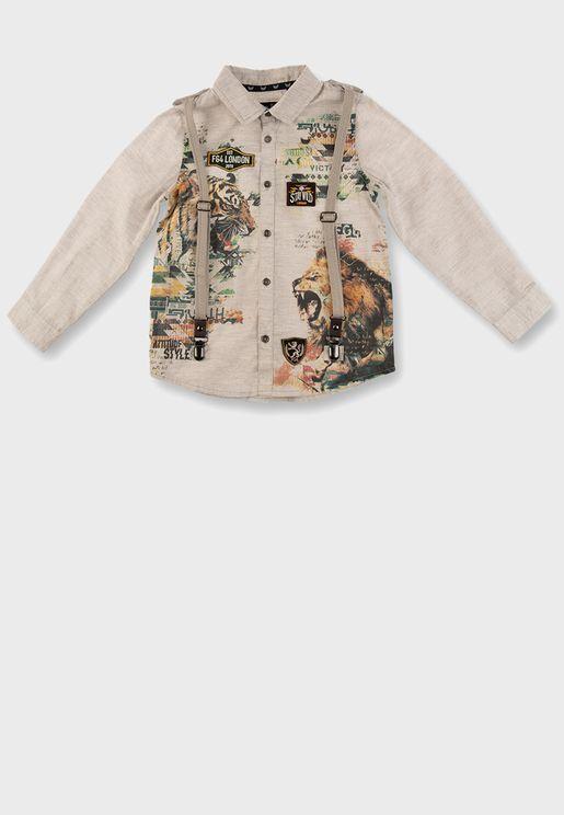 قميص مزين بطباعة جرافيك