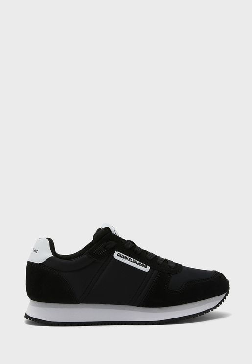 Runner Low Top Sneaker