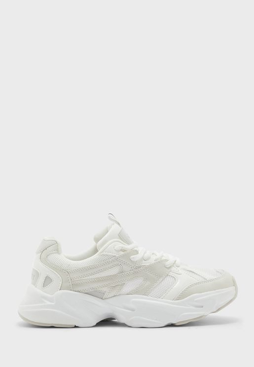 Shay-2 Low Top Sneaker