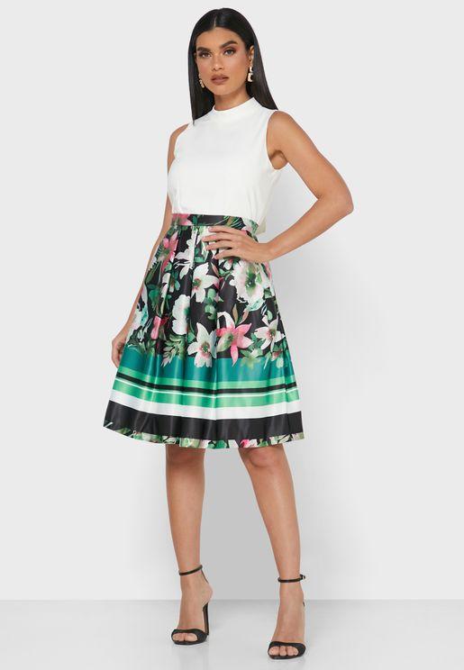 فستان باربطة وزهور