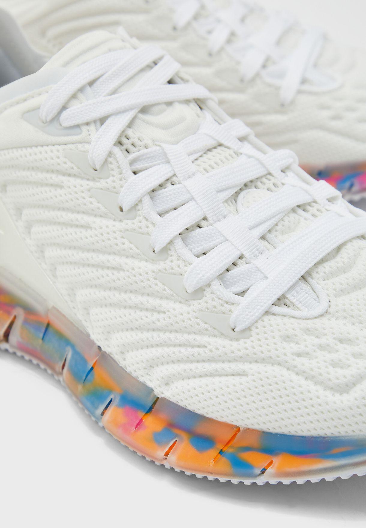 حذاء زيغ كينيتكا