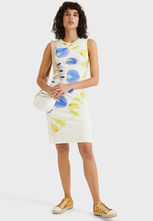 فستان مطبع بياقة دائرية
