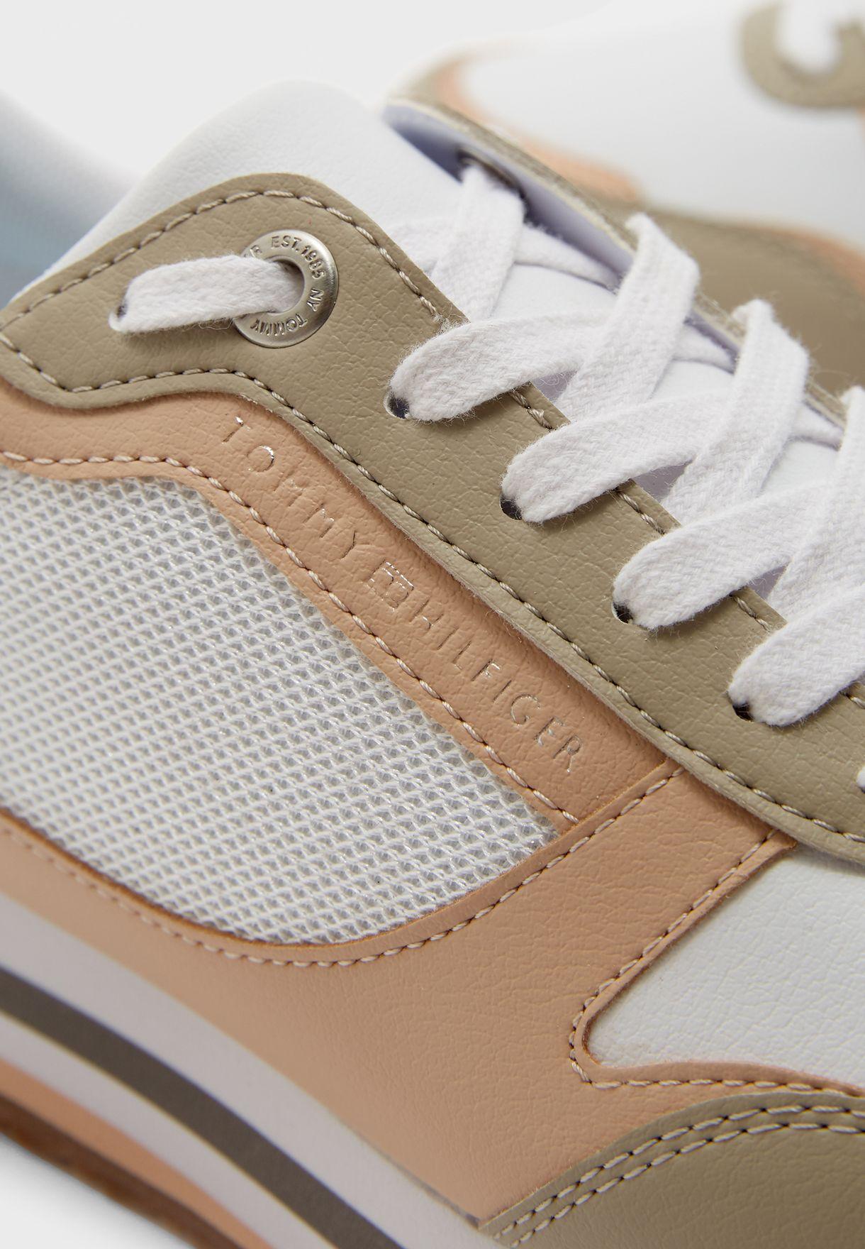 Feminine Tommy Monogram Sneaker - ABR