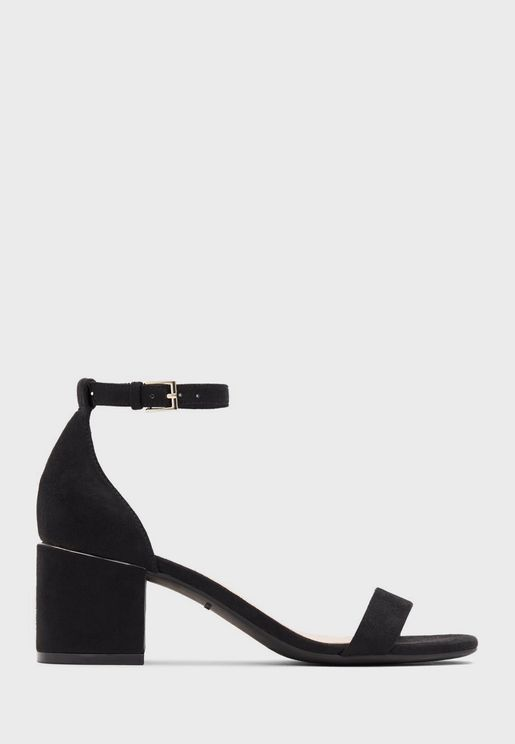 Makenzie Sandal - Black