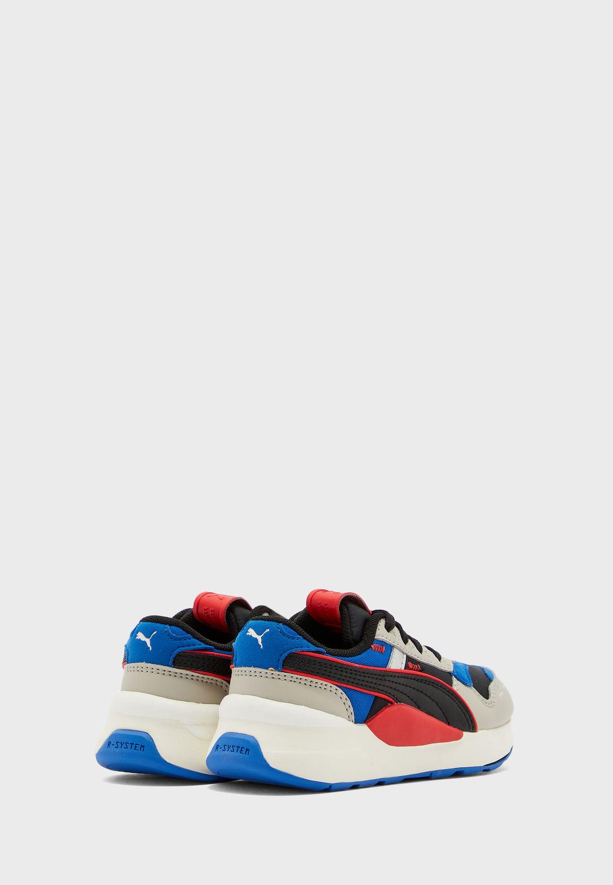 حذاء ار اس 2.0 فيوتشر