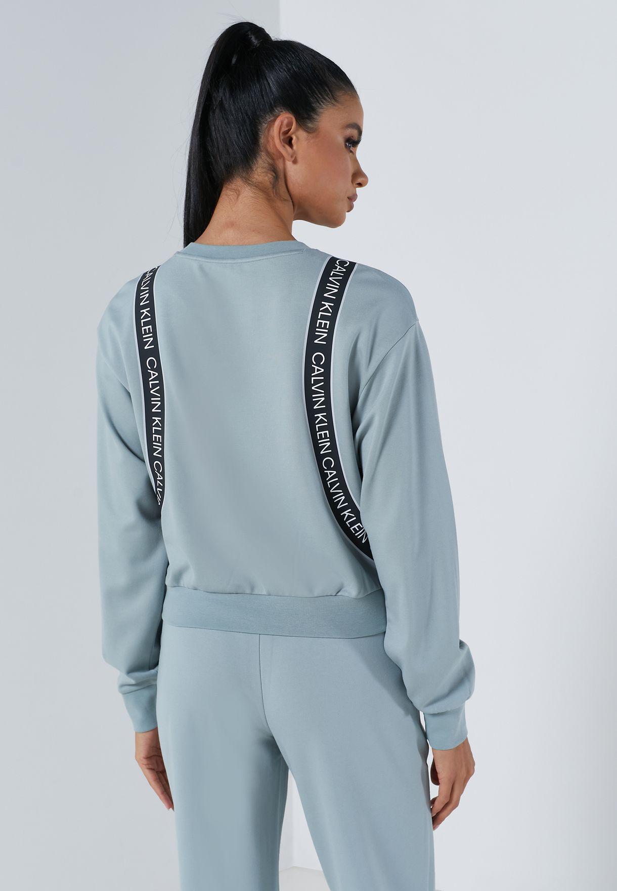 Essential Cropped Sweatshirt