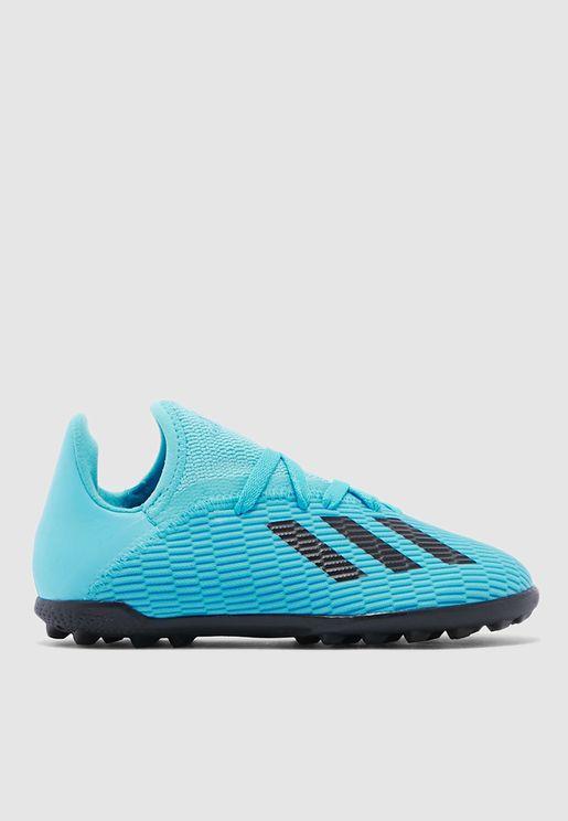 حذاء اكس 19.3 للاسطح العشبية