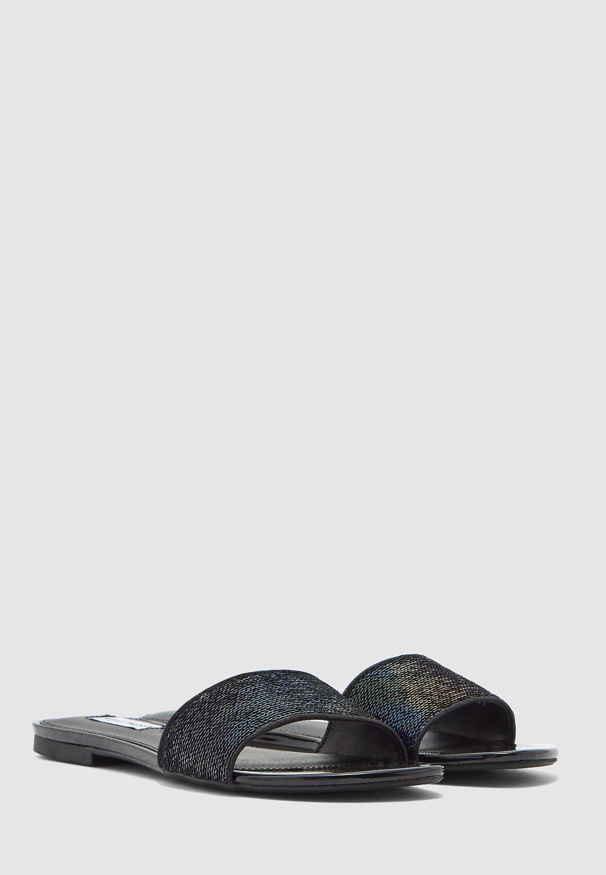 Bevy Flat Sandal - Black