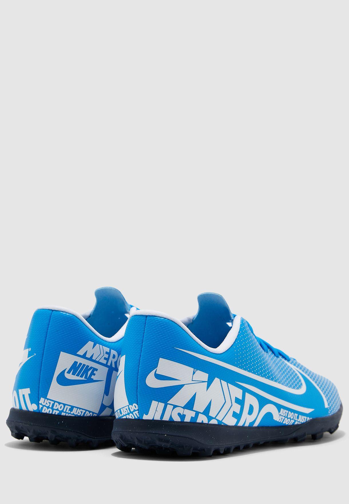 حذاء فابور 13 كلوب للاسطح العشبية
