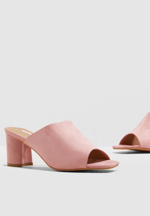 Block Heel Mule In Faux Suede
