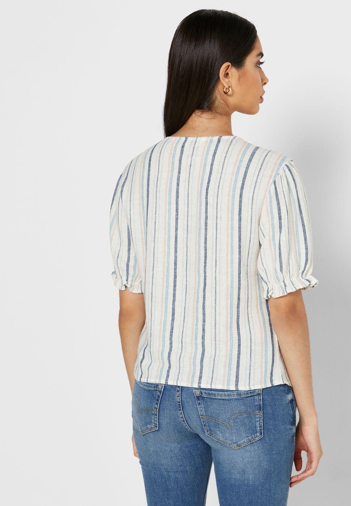 قميص بعقدة واكمام منفوشة