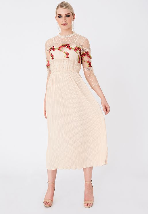 Scallop Mesh Detail Pleated Dress