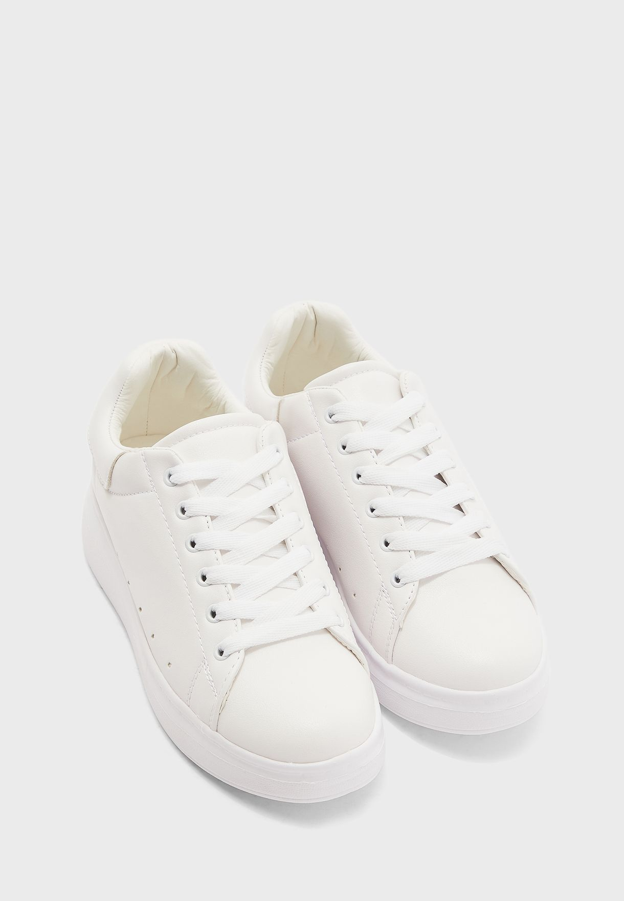 White Detail Classic Sneaker
