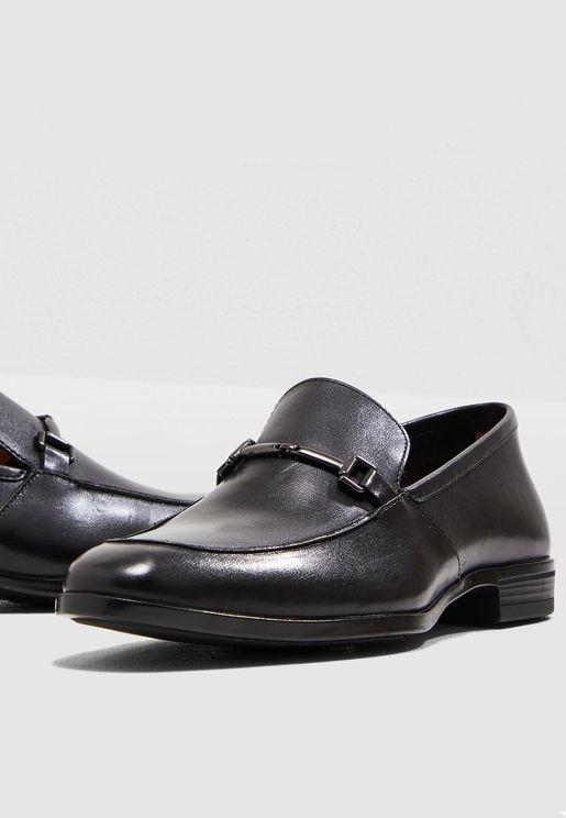 حذاء رسمي سهل الارتداء