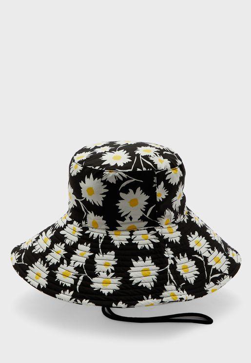 قبعة بطبعات زهور