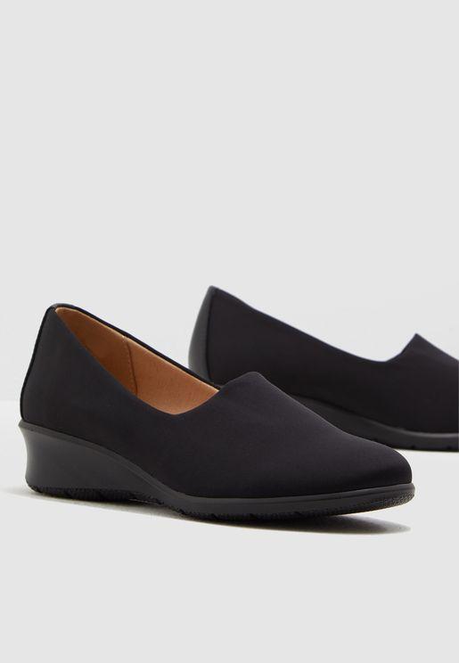 حذاء ويدج سهل الارتداء