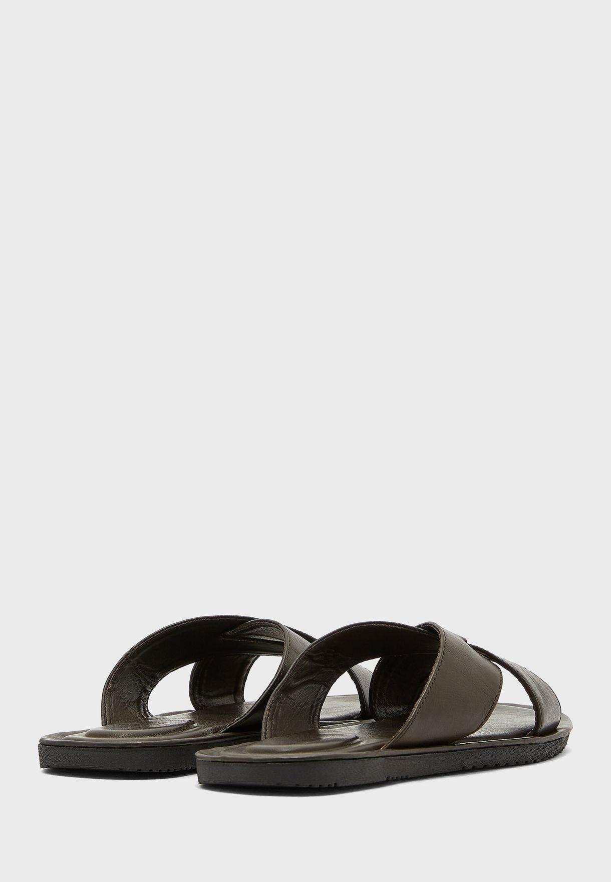 Causal Cross Strap Sandals