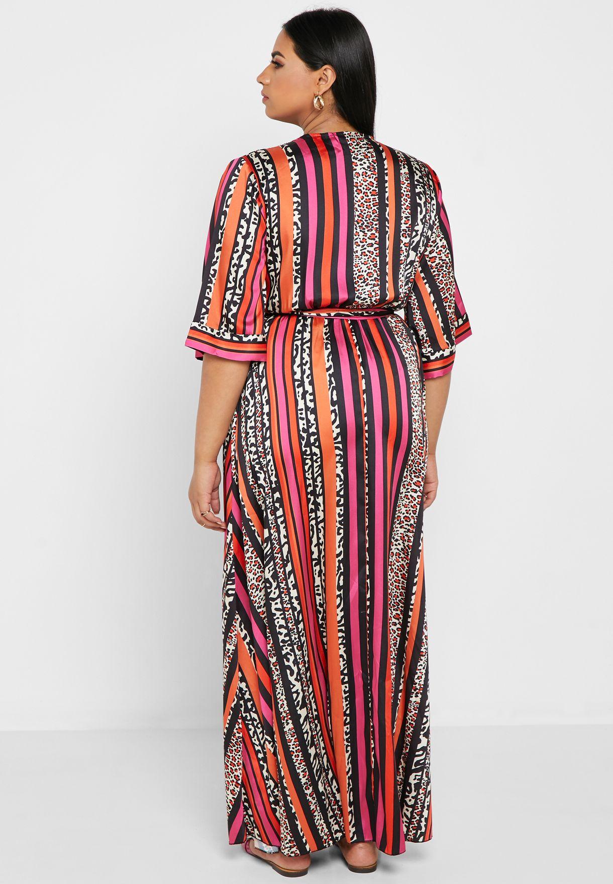 فستان مكسي مطبع بأكمام كيمونو
