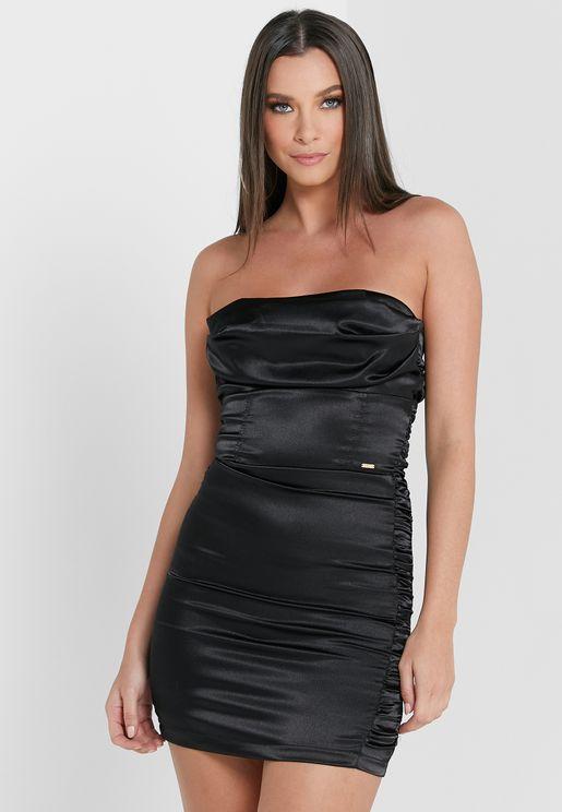 فستان قصير باكتاف عارية