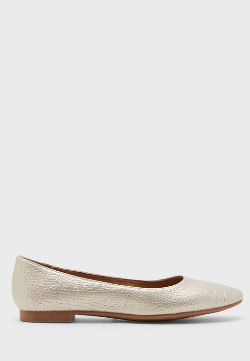 حذاء باليرينا ميتاليك