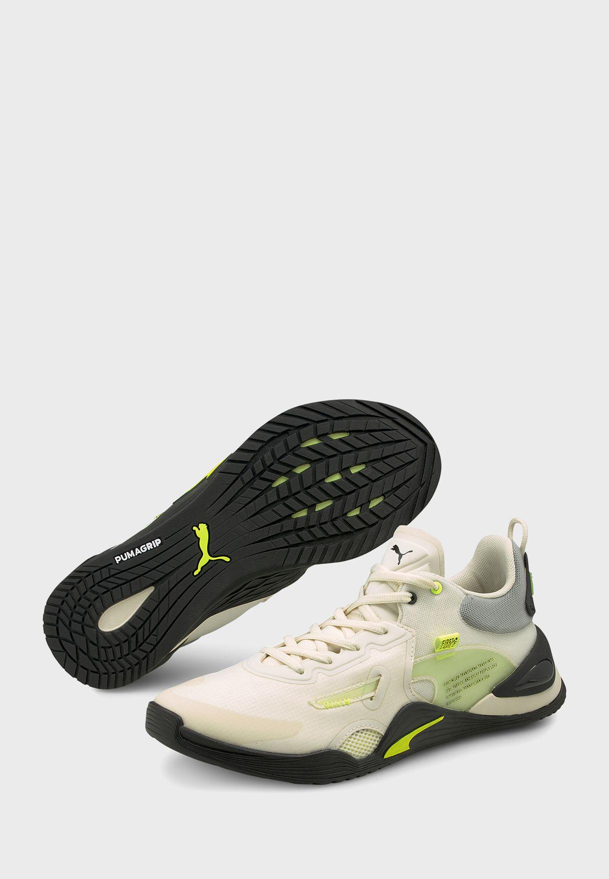 حذاء من مجموعة فيرست مايل