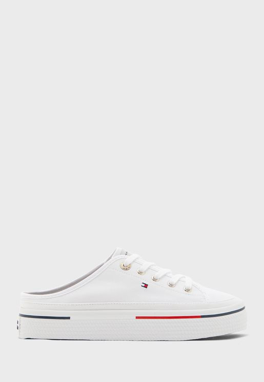 Low Top Flatform Sneaker