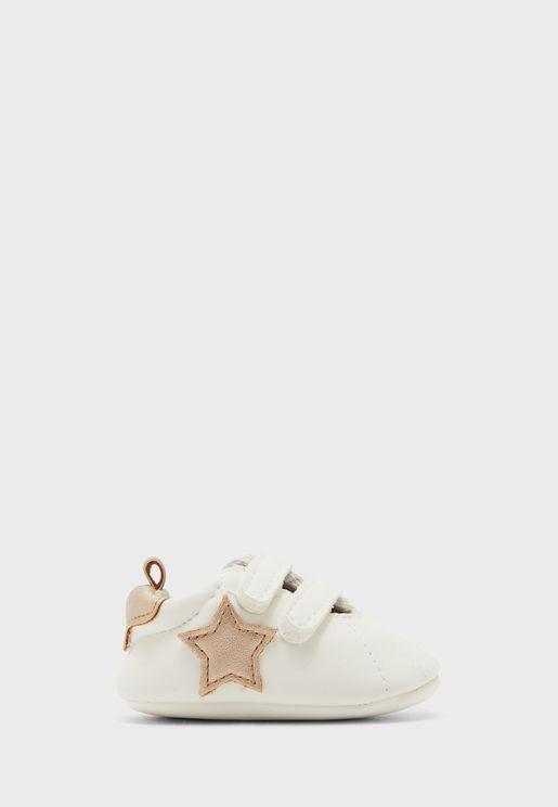 حذاء سنيكرز بشريطان فيلكرو
