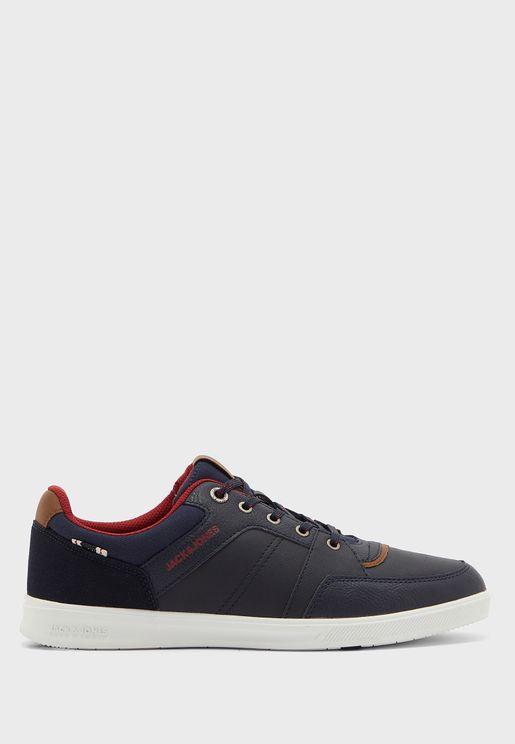 Newington Low Top Sneaker
