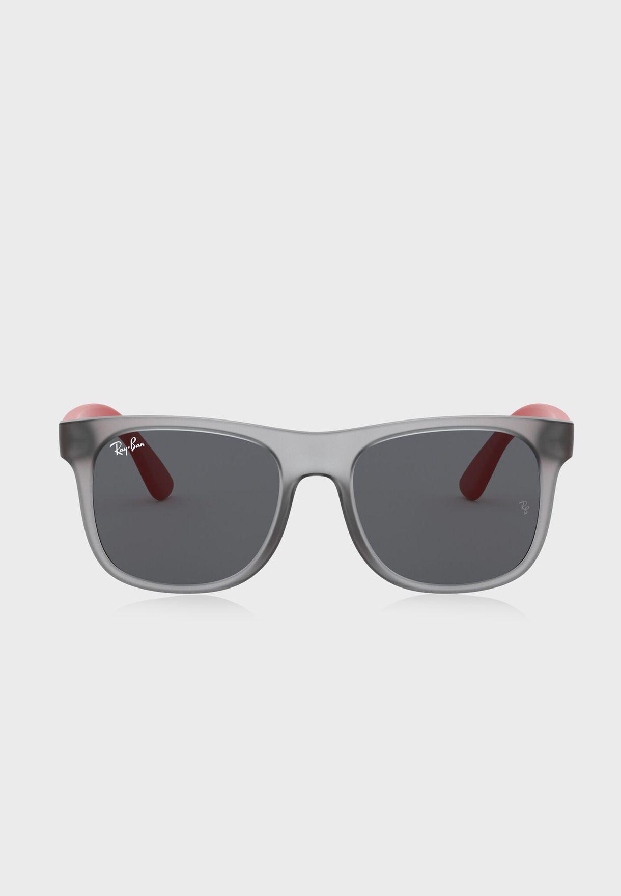 نظارة شمسية كبيرة 0Rj9069S