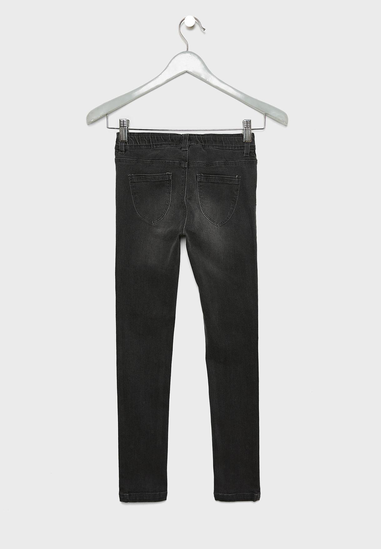 جينز مزين باللؤلؤ