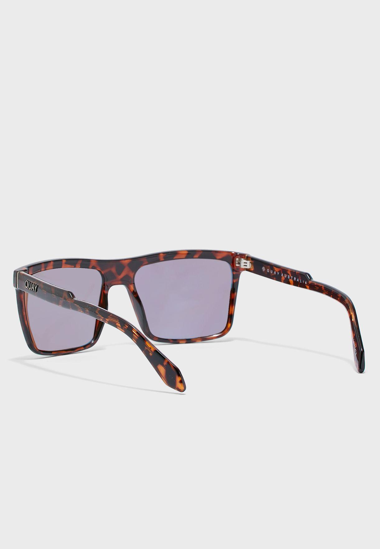 نظارة شمسية بطبعات سلحفاة