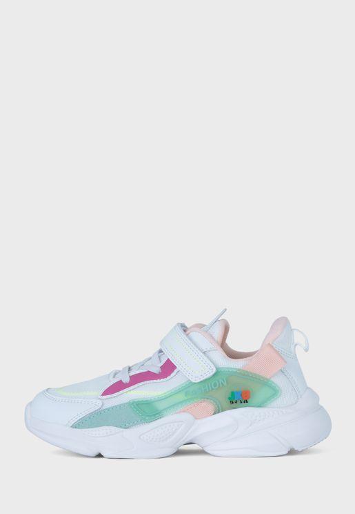 حذاء سنيكرز كلو