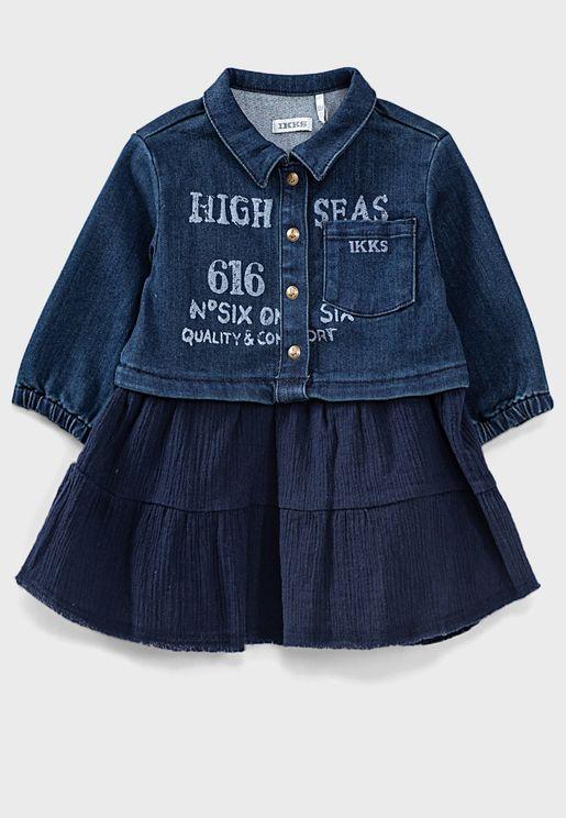 فستان جينز بطبعة كتابة