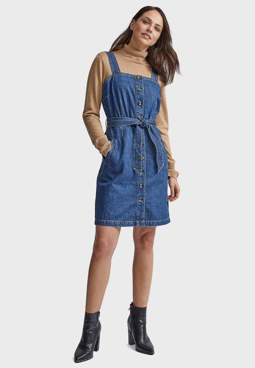 فستان جينز بياقة مربعة