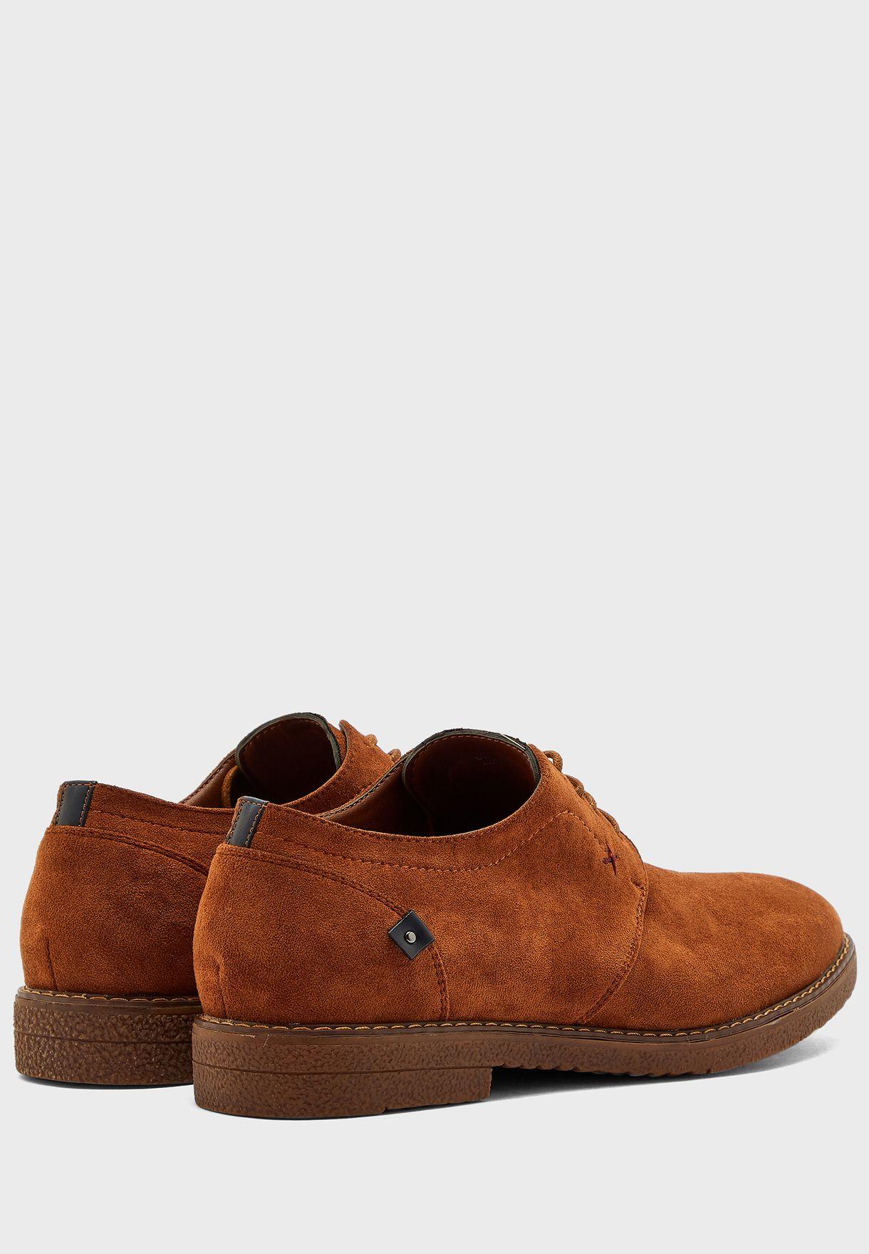 حذاء شمواه صناعي بأربطة