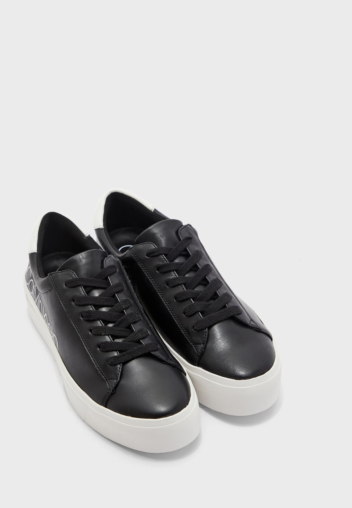 Janika Low Top Sneaker